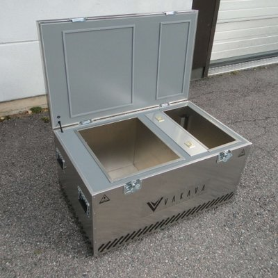 Vakava boxes in use